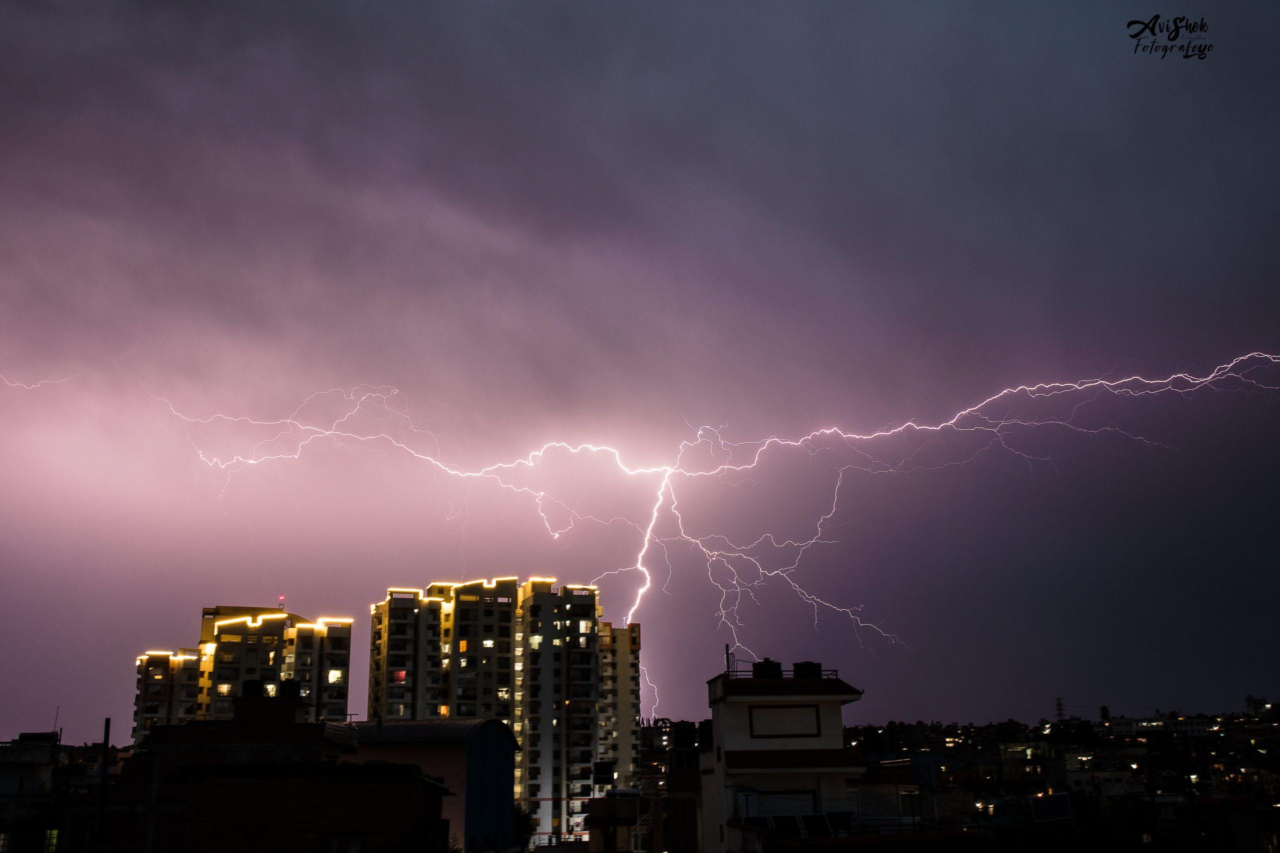 Lightning-5881